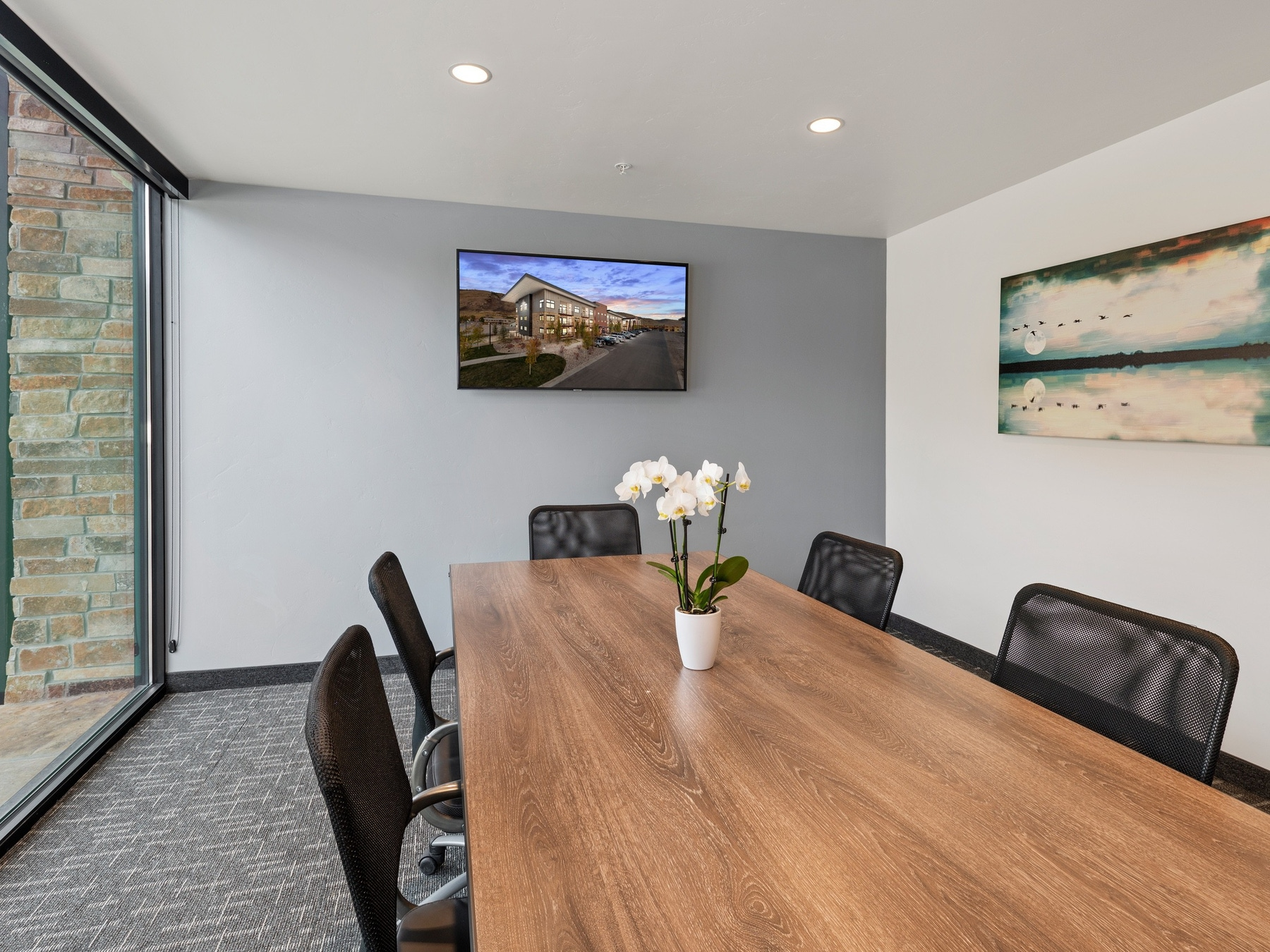 SHAW Jackson Hidden Hollow Meeting Room